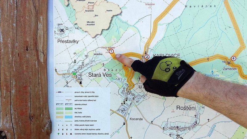 A toto je jeden z cílů našeho cyklovýletu. Holý kopec u Kostelce na Hané a Karlovic.